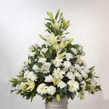 Centro de flores para los tanatorios de Jaen